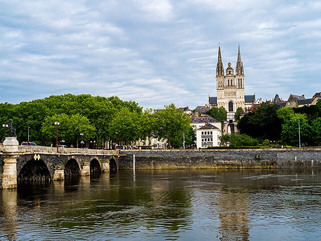 Book cheap flights to Angers with eDreams