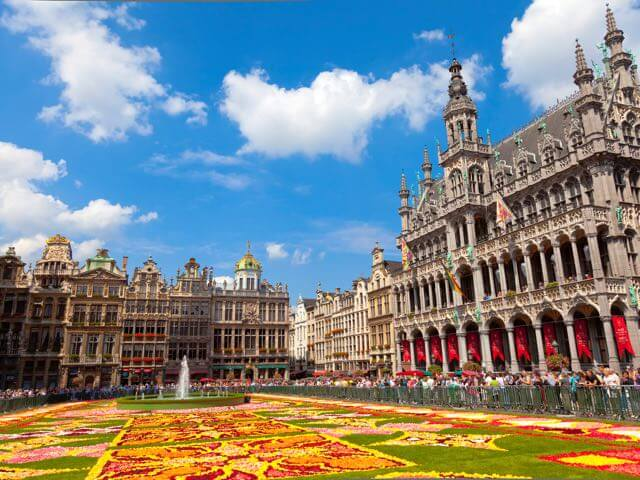 Book cheap flights to Brussels with eDreams