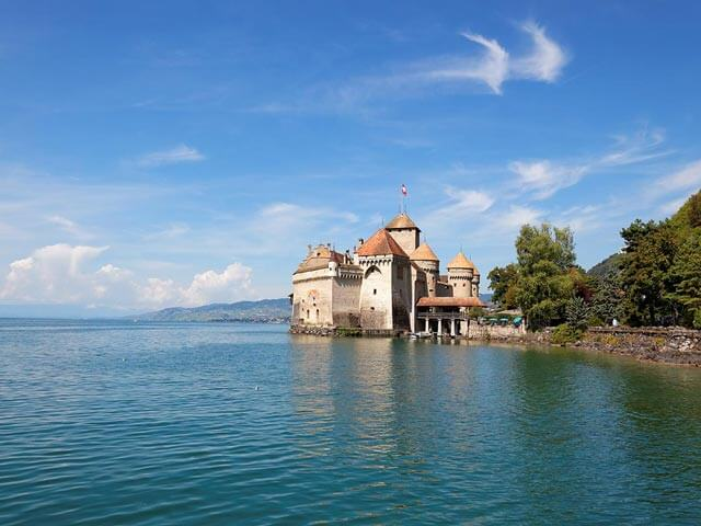 Book cheap flights to Geneva with eDreams