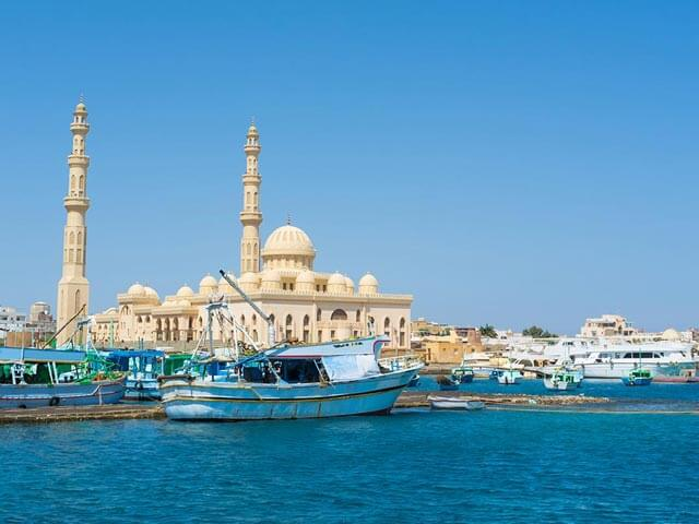 Book cheap flights to Hurghada with eDreams