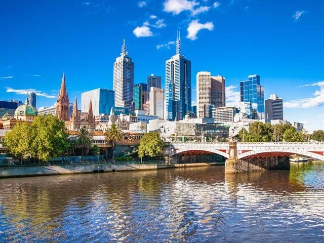 Book cheap flights to Melbourne with eDreams