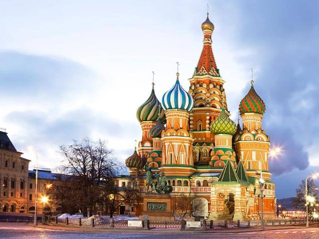 Book cheap flights to Moscow with eDreams