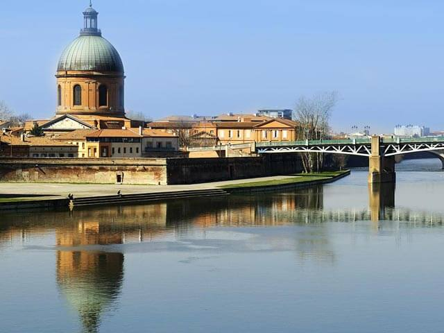 Book cheap flights to Toulouse with eDreams